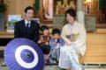 七五三祈祷のあとの家族写真